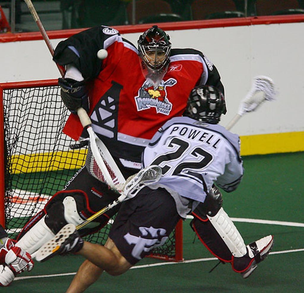 Box lacrosse goalie