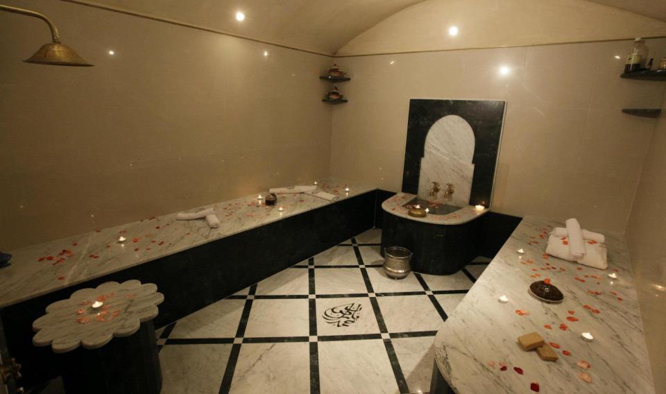 tradition et modernit on emaze. Black Bedroom Furniture Sets. Home Design Ideas