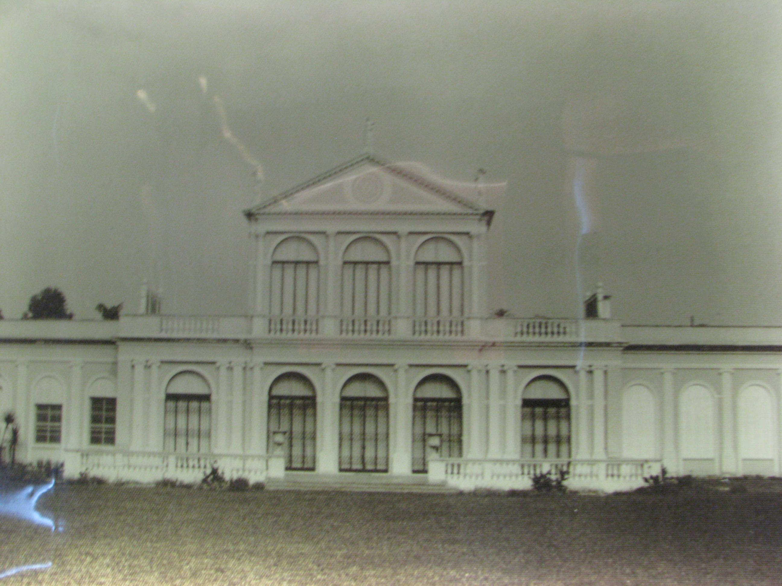 foi construído como residência para o ex prefeito de São Paulo  #40608B 2592x1944