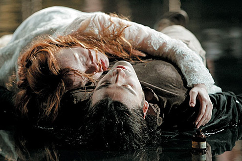 who is at fault for the death of romeo and juliet Essays, romeo and juliet - blame  who is to blame for the death of romeo and juliet  tybalt when the fight was tybalt's fault 2 / 320: the tragedies of romeo.