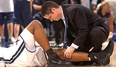the issues for the job of an athletic traine Their work is constant -- as soon as one issue is fixed, the next problem arises [trainer job] | athletic trainer job description [athletic trainers make.