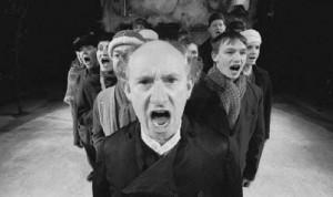 bertolt brecht alienation effect essay Brecht's epic theatre and alienation effect the alienation effect breaks from alienation bertolt brecht's dramatic theory using alienation effect.