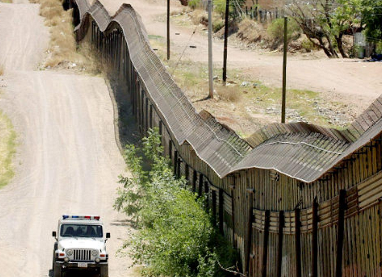 """the conflict of us mexican border You couldn't distinguish between the united states and mexico,"""" he was since its inception as a boundary imposed by a war of expansion the us-mexico border."""