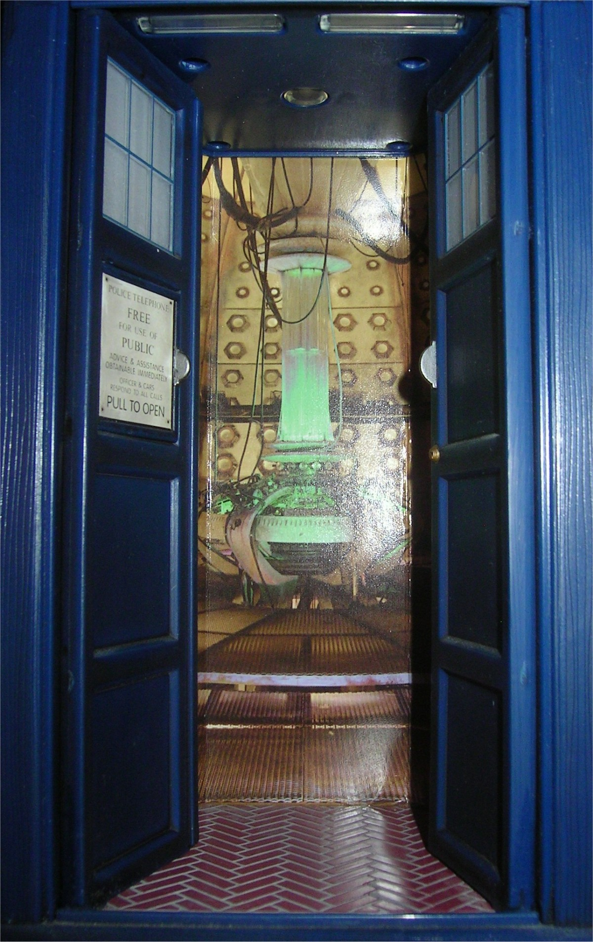 tardis doors wallpaper amp tardis doctor who wallpaper