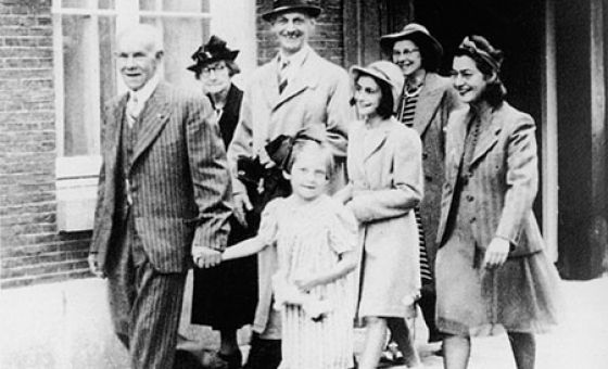 Image result for anne frank and her family