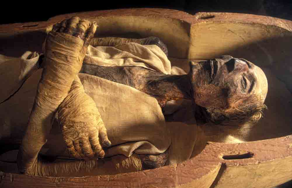 When did mummification start?