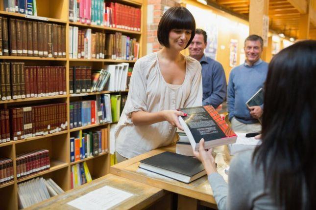 خدمات المعلومات في المكتبات ومراكز المعلومات pdf