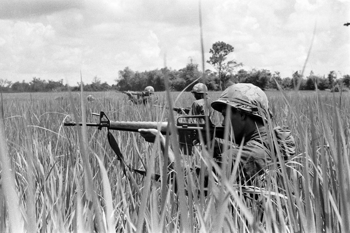 an analysis of the involvement of the united states in the vietnam war Analysis of america s longest war the united states in vietnam essaythose americans involved in the vietnam conflict he states, vietnam, vietnam    there are no sure answers in this novel, the author gives a detailed historical account of the happenings in vietnam between 1950 and 1975.