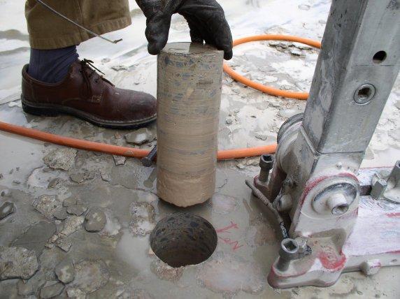 Il petrolio on emaze for Utensili per prelevare campioni di terreno