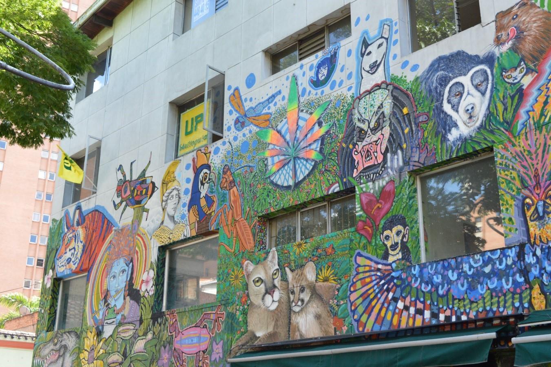 Resultado de imagen para murales parque del periodista medellín