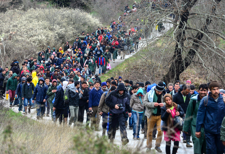 Bildergebnis für flüchtlinge bilder