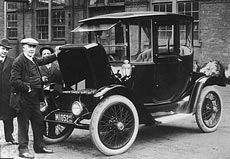 The First Electric Carriage It Wasn T Until Second Half Of 19th Century That French And English Inventors Built More Modern Cars