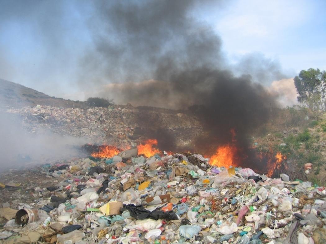 trash a threat to environment