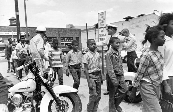 childrens march Mighty times: the children's march reveals a never-before-told chapter in the civil rights movement, focusing on more than 4,000 black schoolchildren who d.