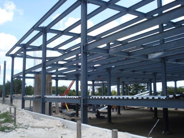 Estructuras metalicas para casas cheap naves metlicas de - Casas con estructura metalica ...