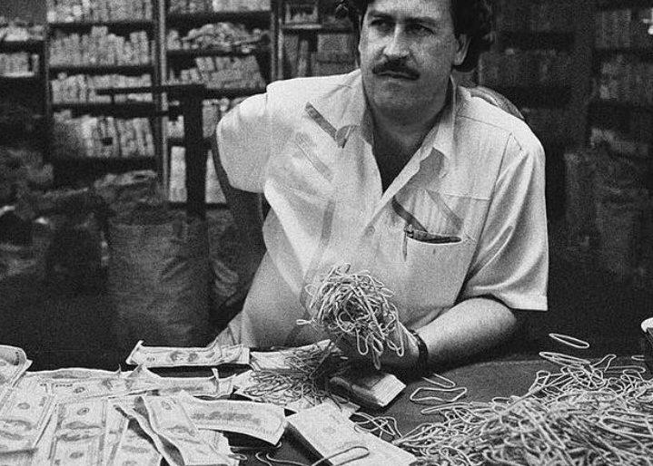 Los Narcos Mas Famosos Y Su Estilo De Vida By Davidgggarza On Emaze
