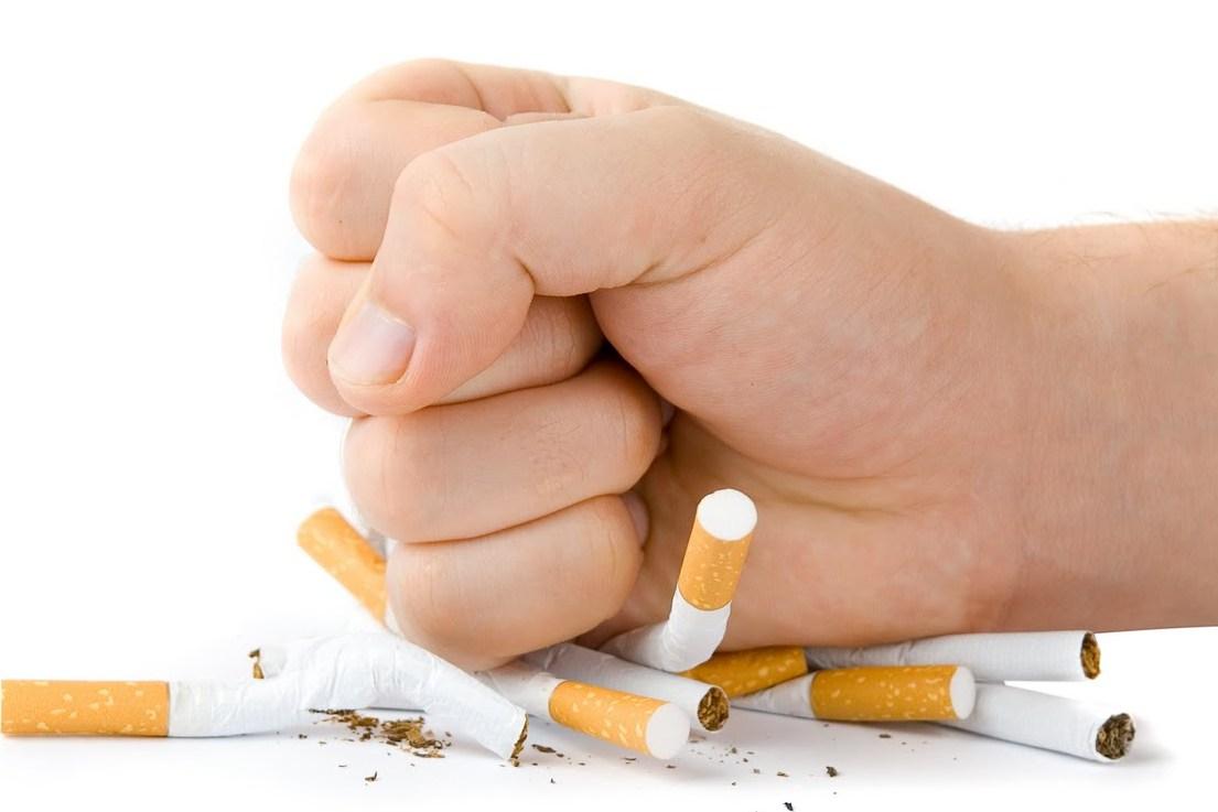 Để phòng biến chứng tiểu đường, cần bỏ thuốc lá
