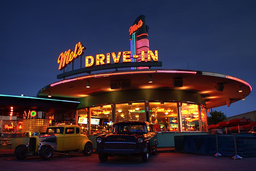 mels drivein california diner - 650×436