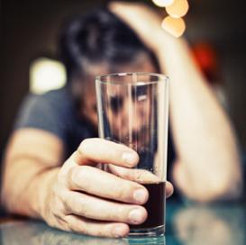 Che aiutare la moglie dellalcolizzato