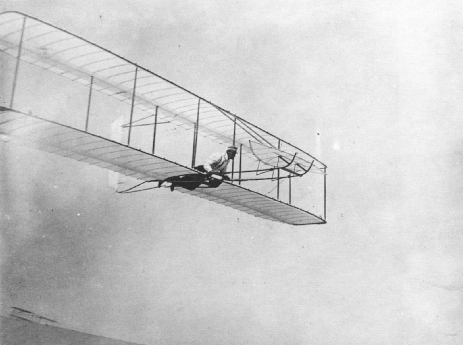 write brothers first flight Wright brothers' first flight starting from dec the idea of flight has captivated mankind since the dawn of time however, the task of creating a heavier-than-air flying craft only became technically feasible in the beginning of the 20th century.