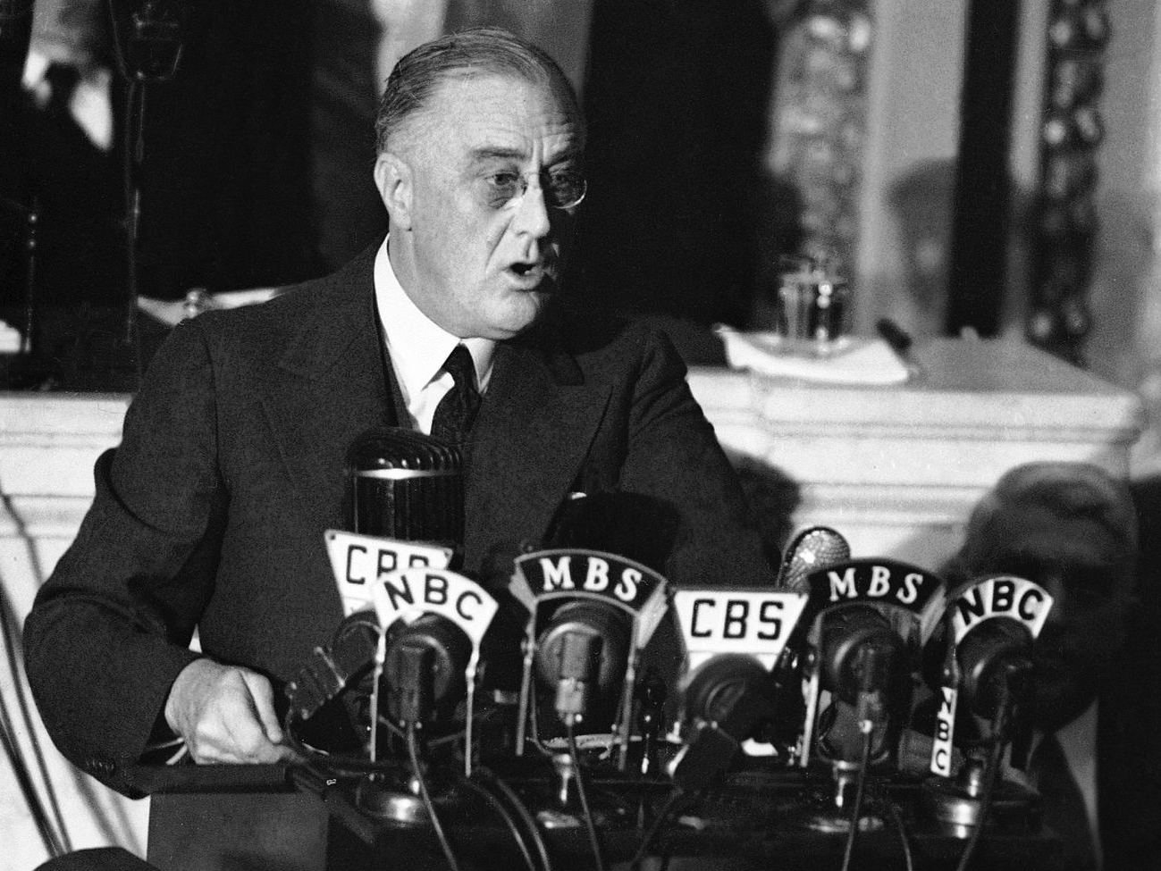 an analysis of president franklin delano roosevelts address to the nation about the pearl harbor att An analysis of franklin d roosevelt's speech after the pearl harbor and president franklin delano the pearl harbor address to the nation is.