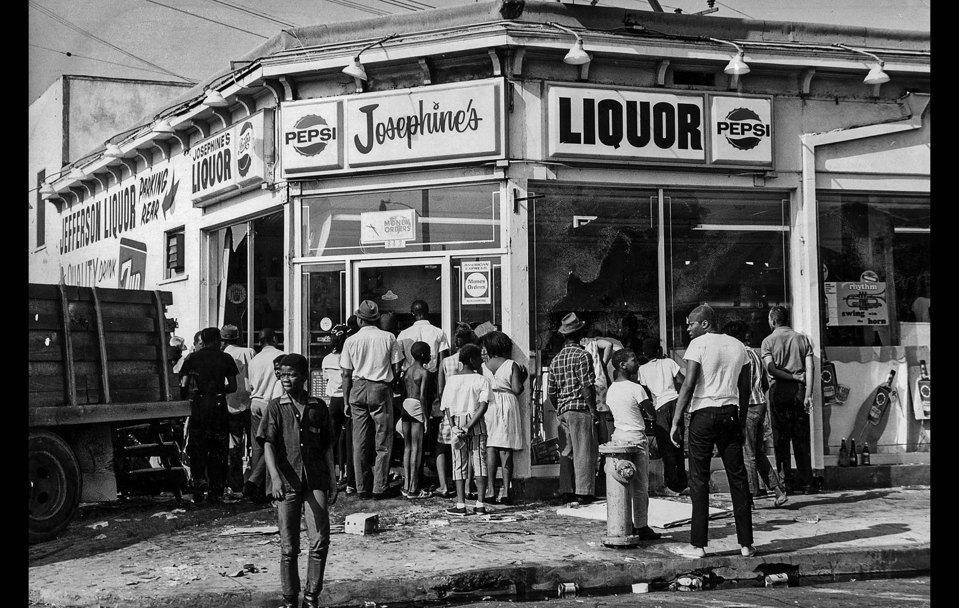 watts riot This week marked the 45th anniversary of the watts riots in los angeles watts, a mostly black working-class neighborhood since the 1940s, became a hotbed of racial tension and injustice throughout the early 1960s.