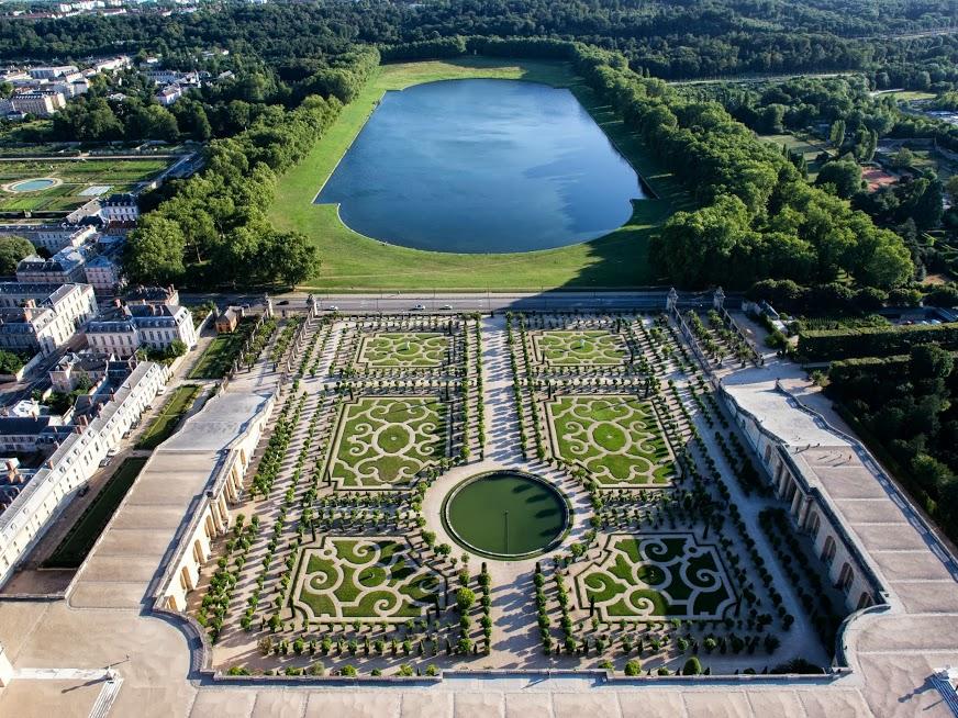 le chateau de versaille by yohan lafreniere on emaze - Jardin Chateau De Versailles